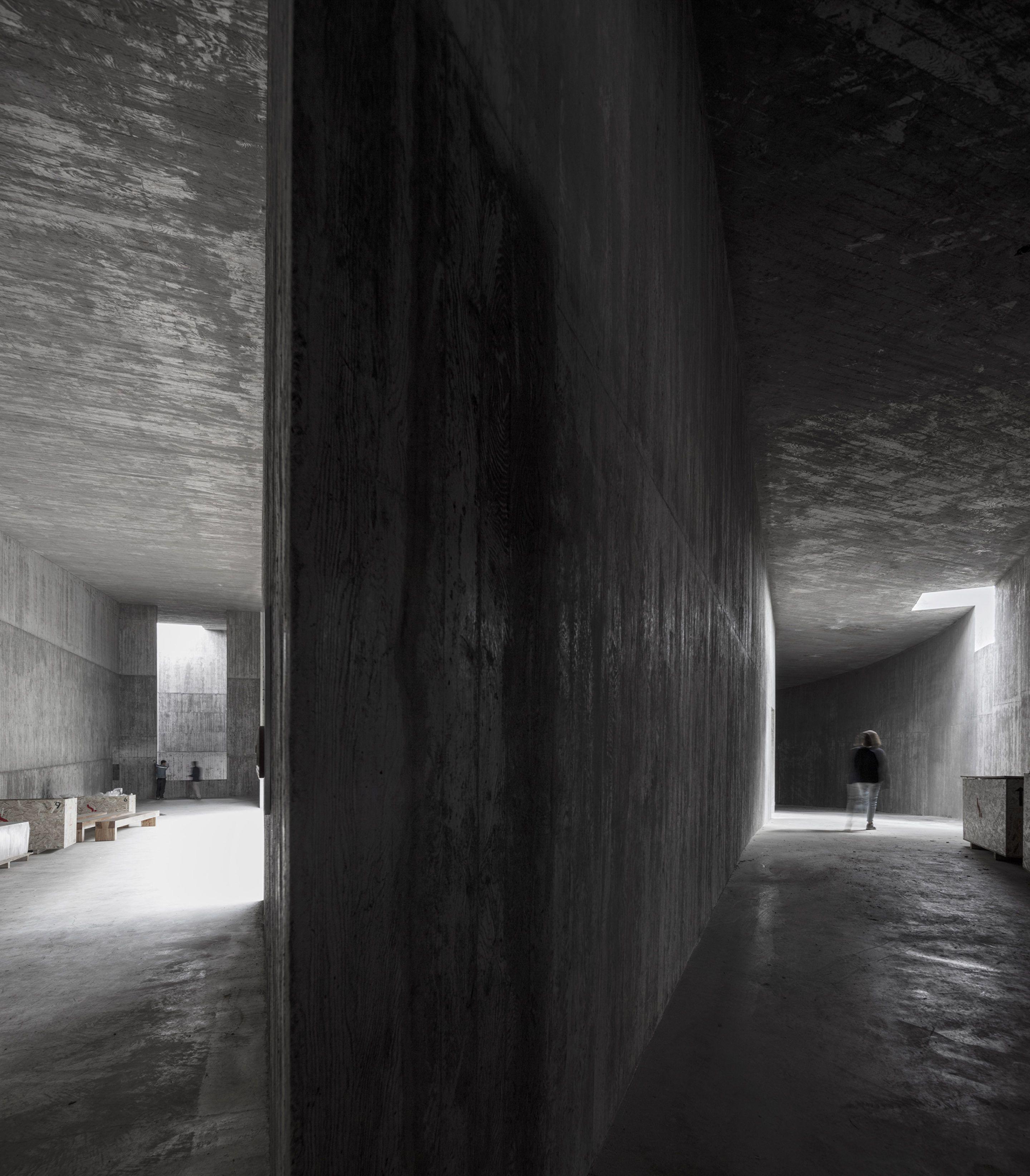 IGNANT-Architecture-Alvaro-Siza-Carlos-Castanheira-Art-Pavilion-Photographs-18