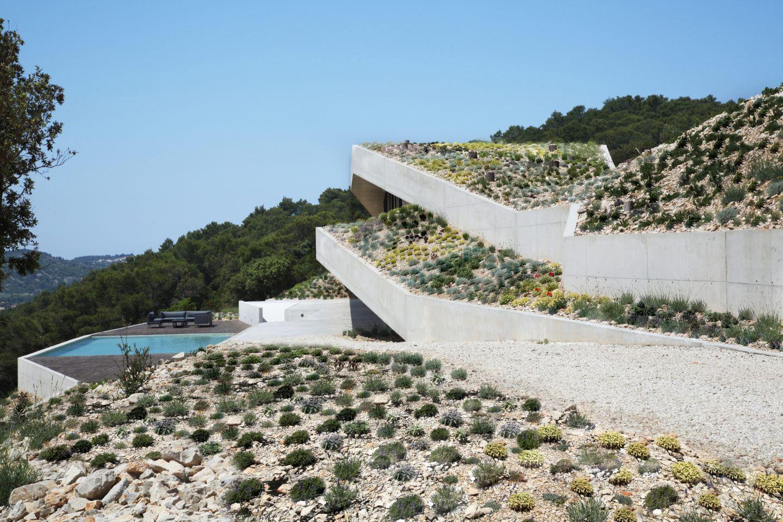 IGNANT-Architecture-Issa-Megaron-Proarh-001