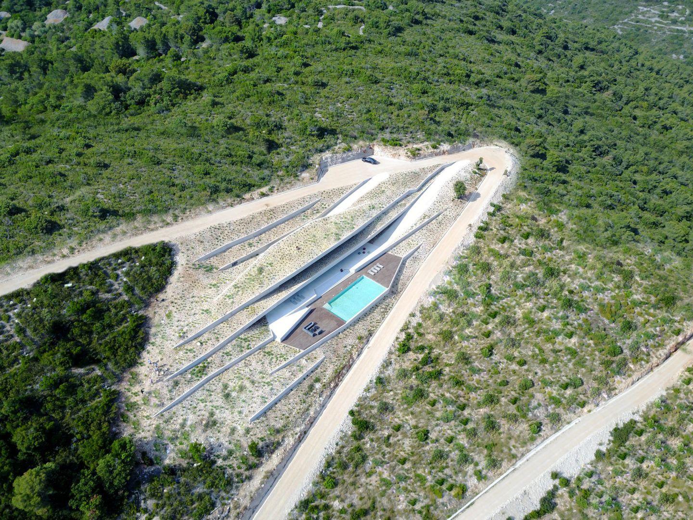 IGNANT-Architecture-Issa-Megaron-Proarh-006
