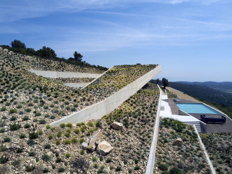 IGNANT-Architecture-Issa-Megaron-Proarh-009