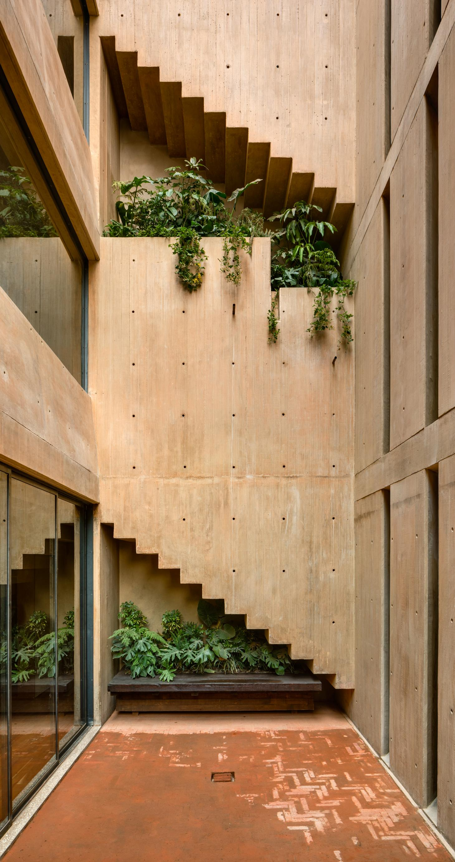 IGNANT-Architecture-Taller-Hector-Barroso-LC710-7