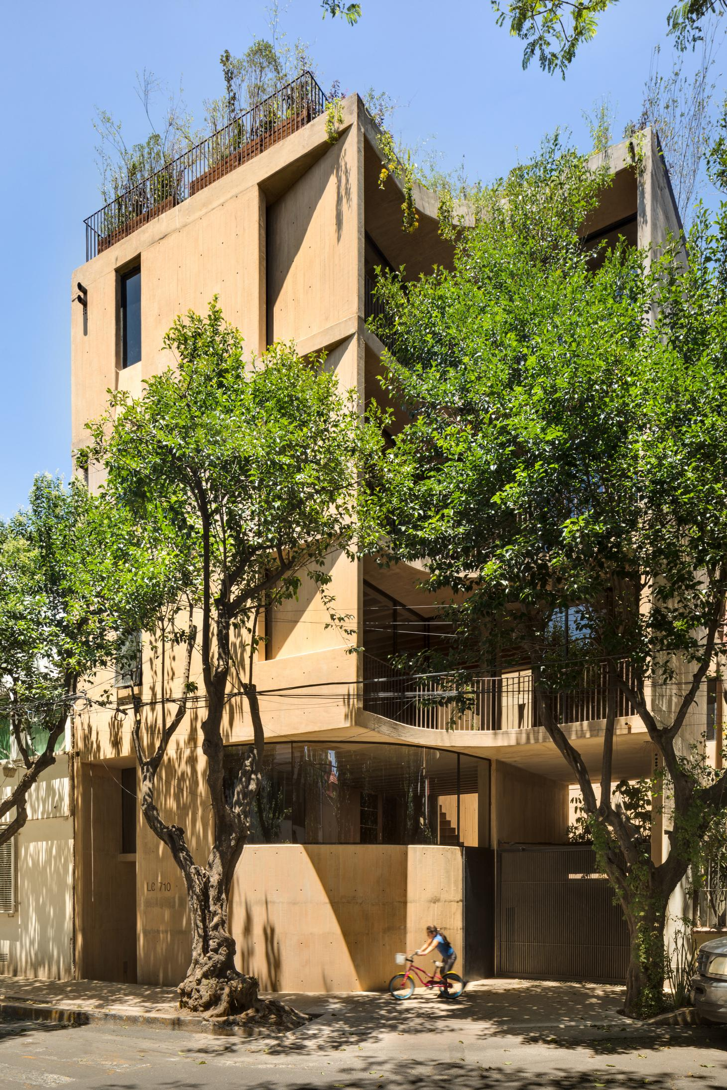 IGNANT-Architecture-Taller-Hector-Barroso-LC710-8