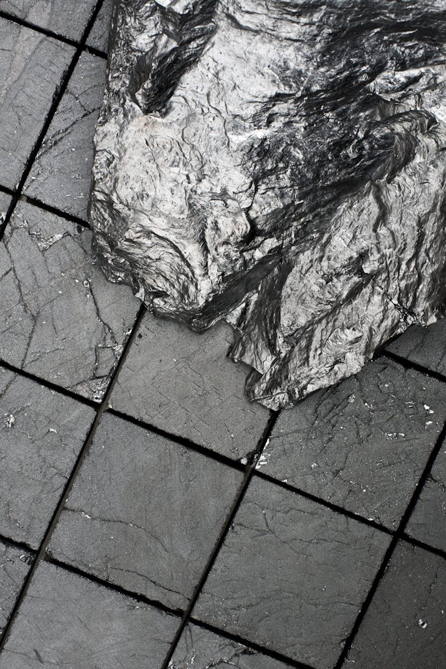 IGNANT-Design-Jesper-Eriksson-Coal-Post-Fuel-002