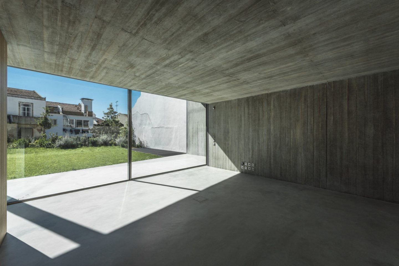 IGNANT-Architecture-Aires-Mateus-Casa-Estrela-11