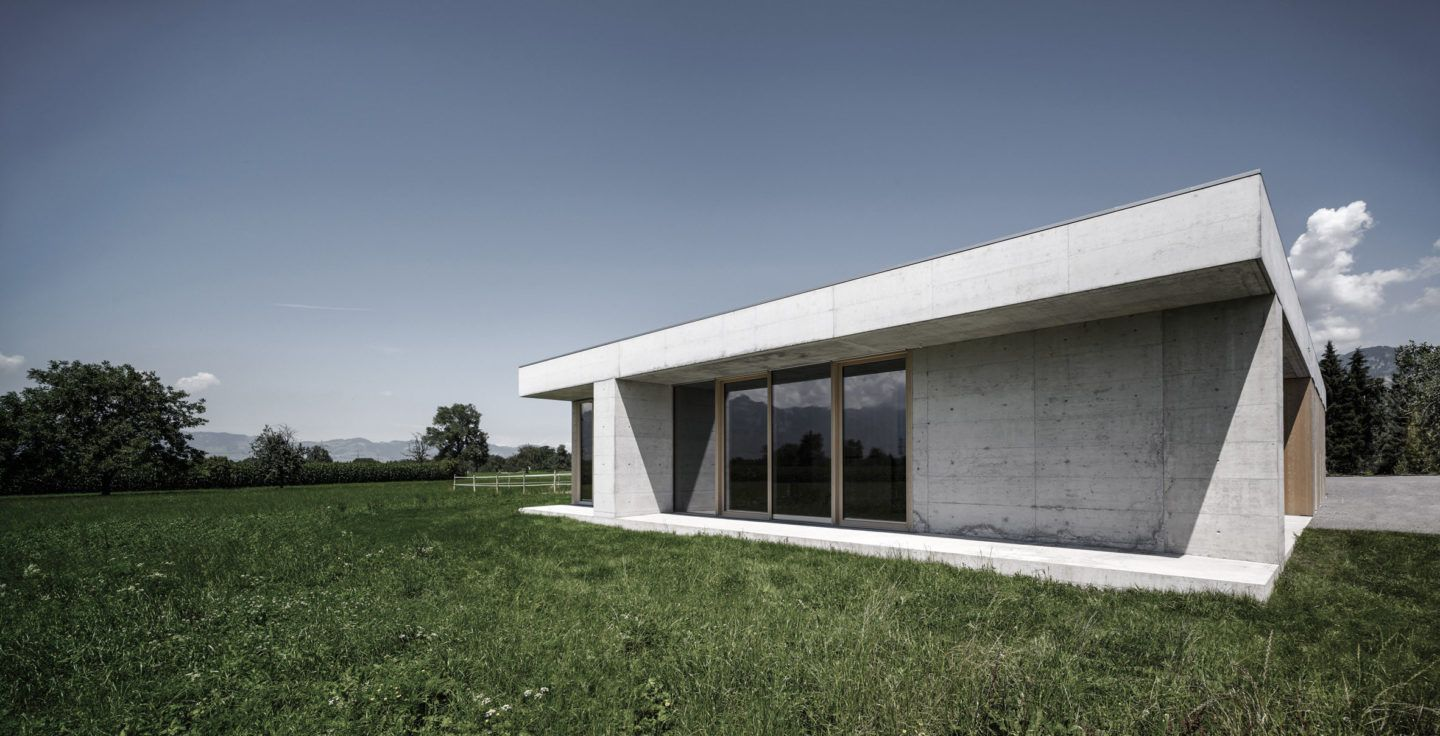IGNANT-Architecture-Marte.Marte.-Architects-Veterinary-Clinic-1