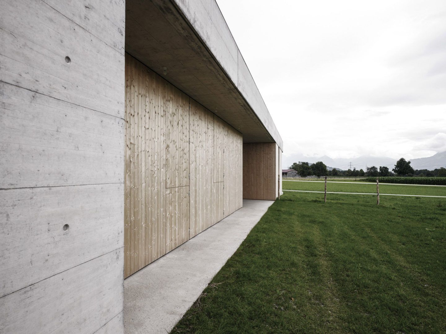IGNANT-Architecture-Marte.Marte.-Architects-Veterinary-Clinic-4