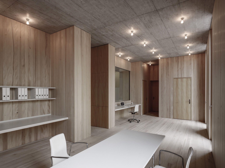 IGNANT-Architecture-Marte.Marte.-Architects-Veterinary-Clinic-6