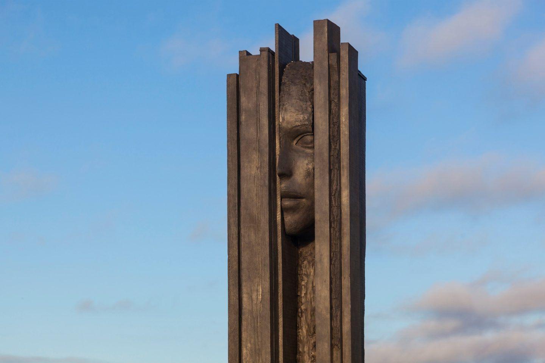 IGNANT-Art-Donum-Estate-Sculpture-Collection-Mark-Manders-006