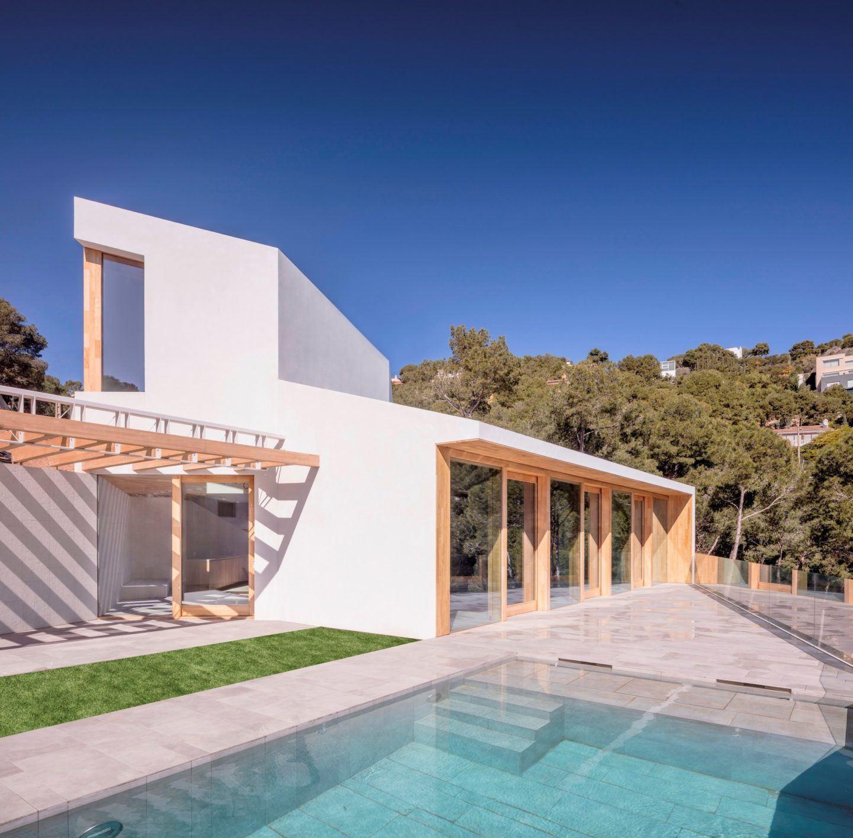 IGNANT-Architecture-5AM-Arquitectura-House-In-Tamariu-002