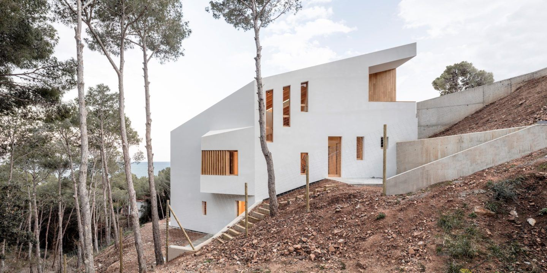 IGNANT-Architecture-5AM-Arquitectura-House-In-Tamariu-012