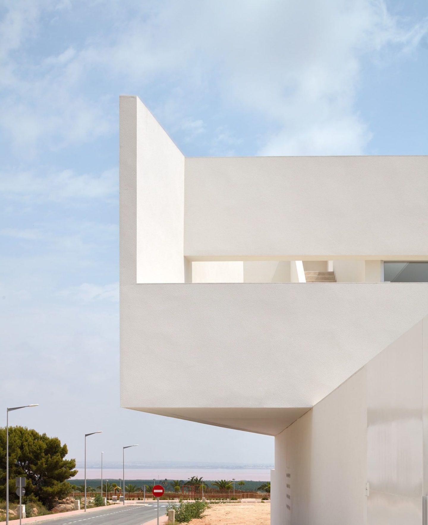lGNANT-Architecture-Balzar-Arquitectos-Mirasal-007