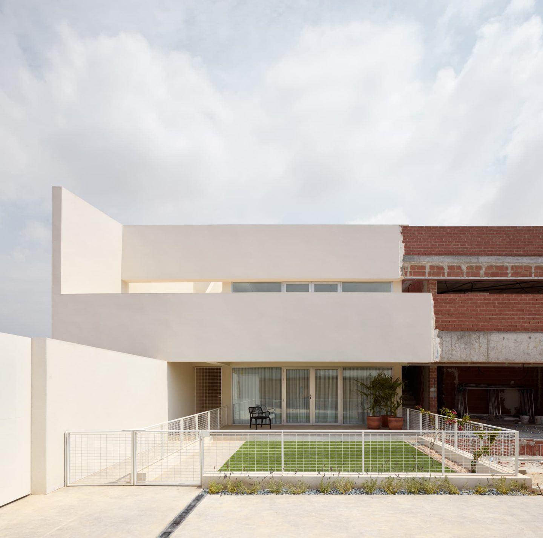 lGNANT-Architecture-Balzar-Arquitectos-Mirasal-008