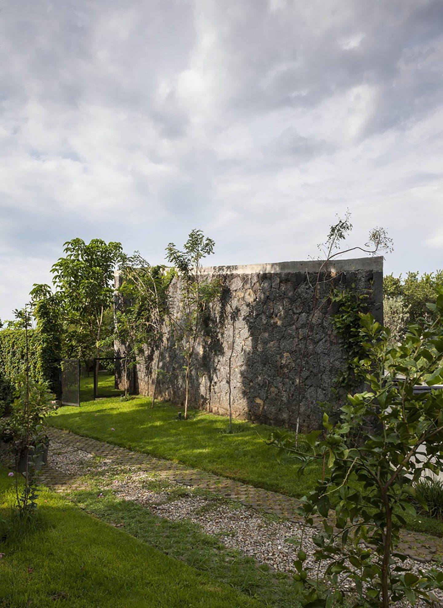 IGNANT-Architecture-Cadaval-Sola-Morales-Ma-Lounge-13