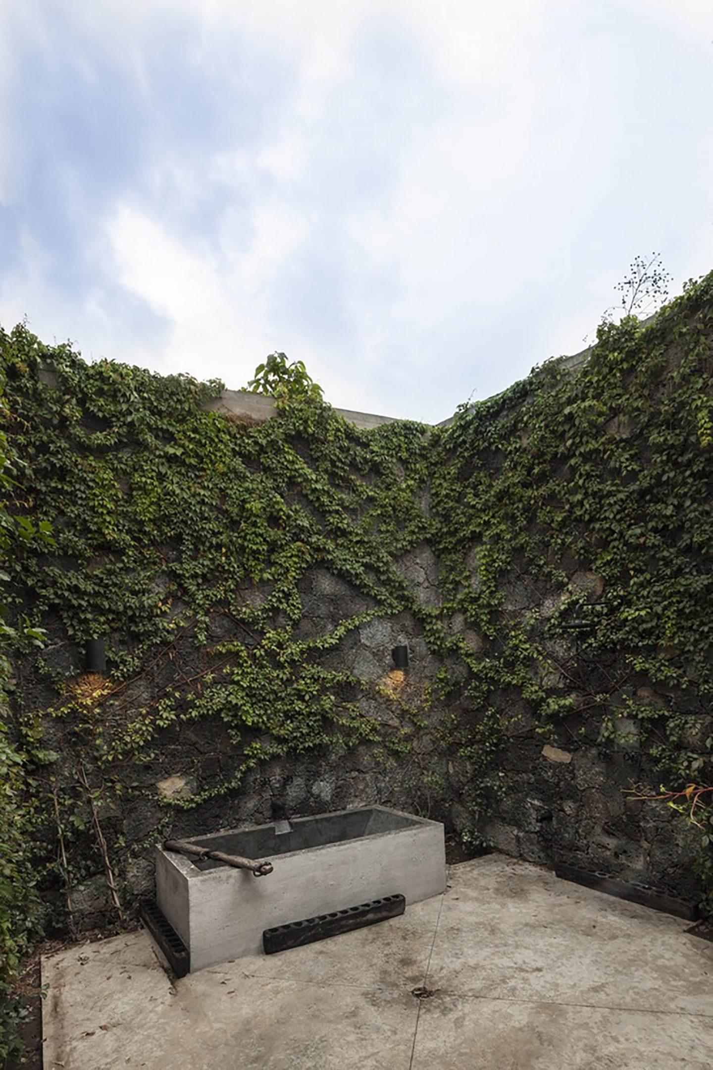 IGNANT-Architecture-Cadaval-Sola-Morales-Ma-Lounge-4