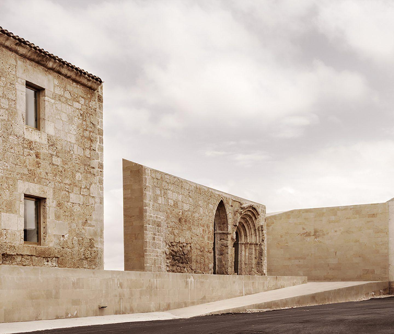 IGNANT-Architecture-Estudio-Barozzi-Veiga-Ribera-del-Duero-HQ-4
