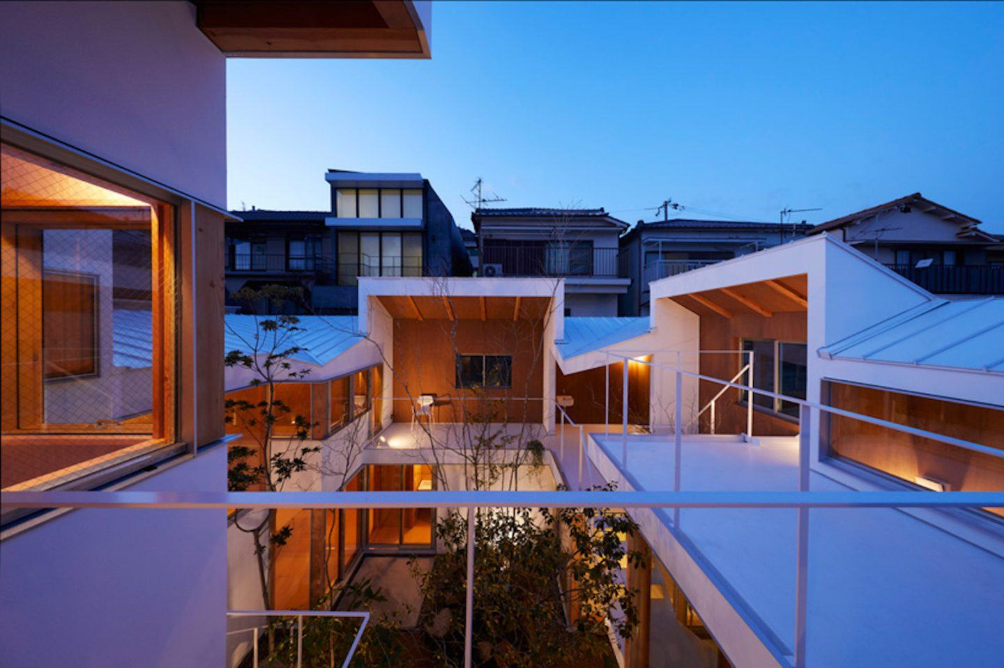 IGNANT-Architecture-Hata-Tomohiro-Loop-Terrace-house-010