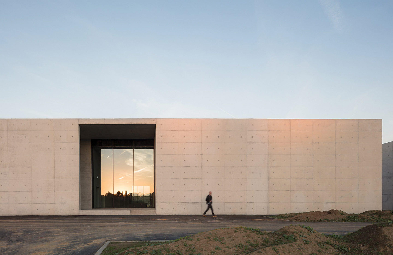 IGNANT-Architecture-Kaan-Architecten-Crematorium-Siesegem-017