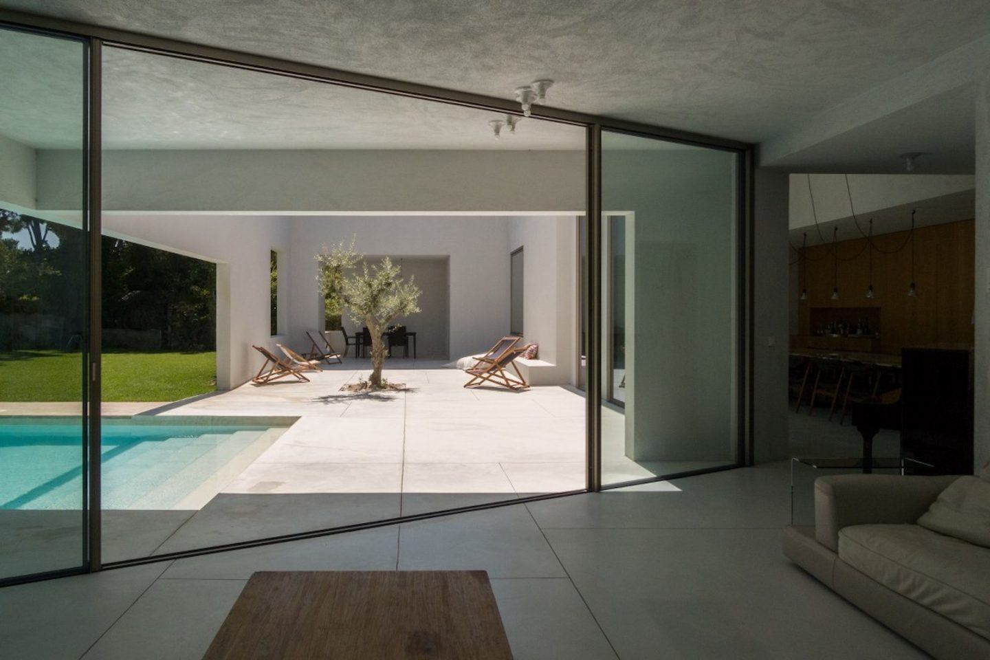 IGNANT-Architecture-Miguel-Marcelino-House-In-Troia-004