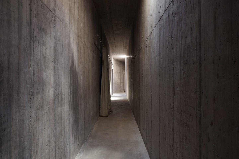 IGNANT-Architecture-Valerio-Olgiati-Villa-Alem-11