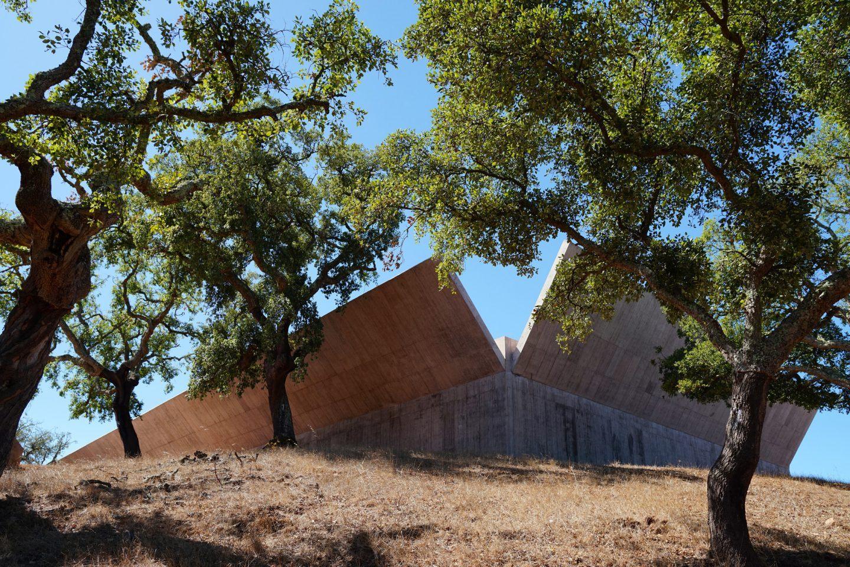 IGNANT-Architecture-Valerio-Olgiati-Villa-Alem-3