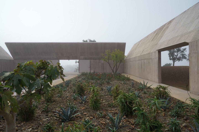 IGNANT-Architecture-Valerio-Olgiati-Villa-Alem-7
