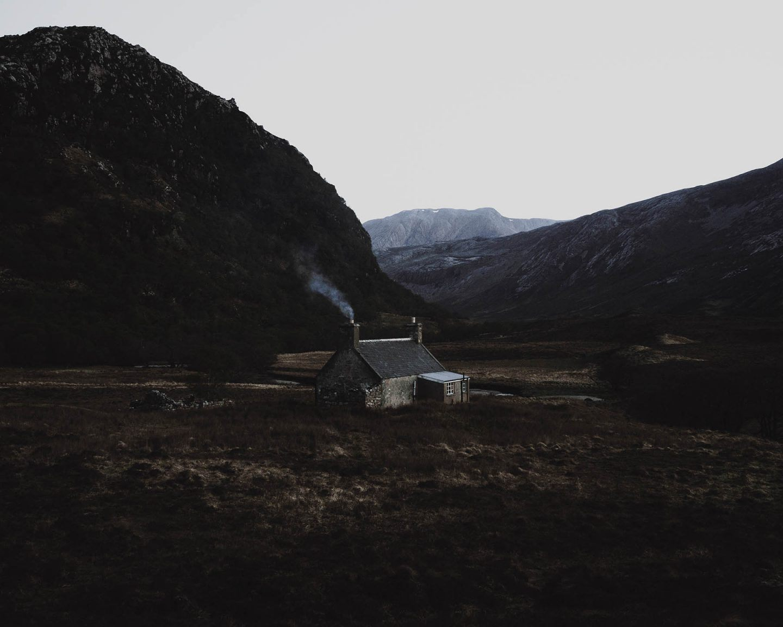 IGNANT-Photography-Ruairidh-Mcglynn-Emerging-Land-3
