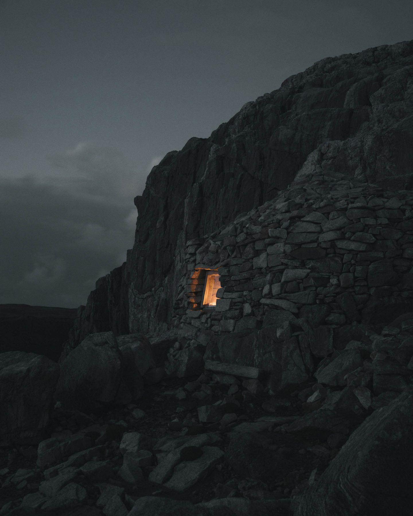 IGNANT-Photography-Ruairidh-Mcglynn-Emerging-Land-4