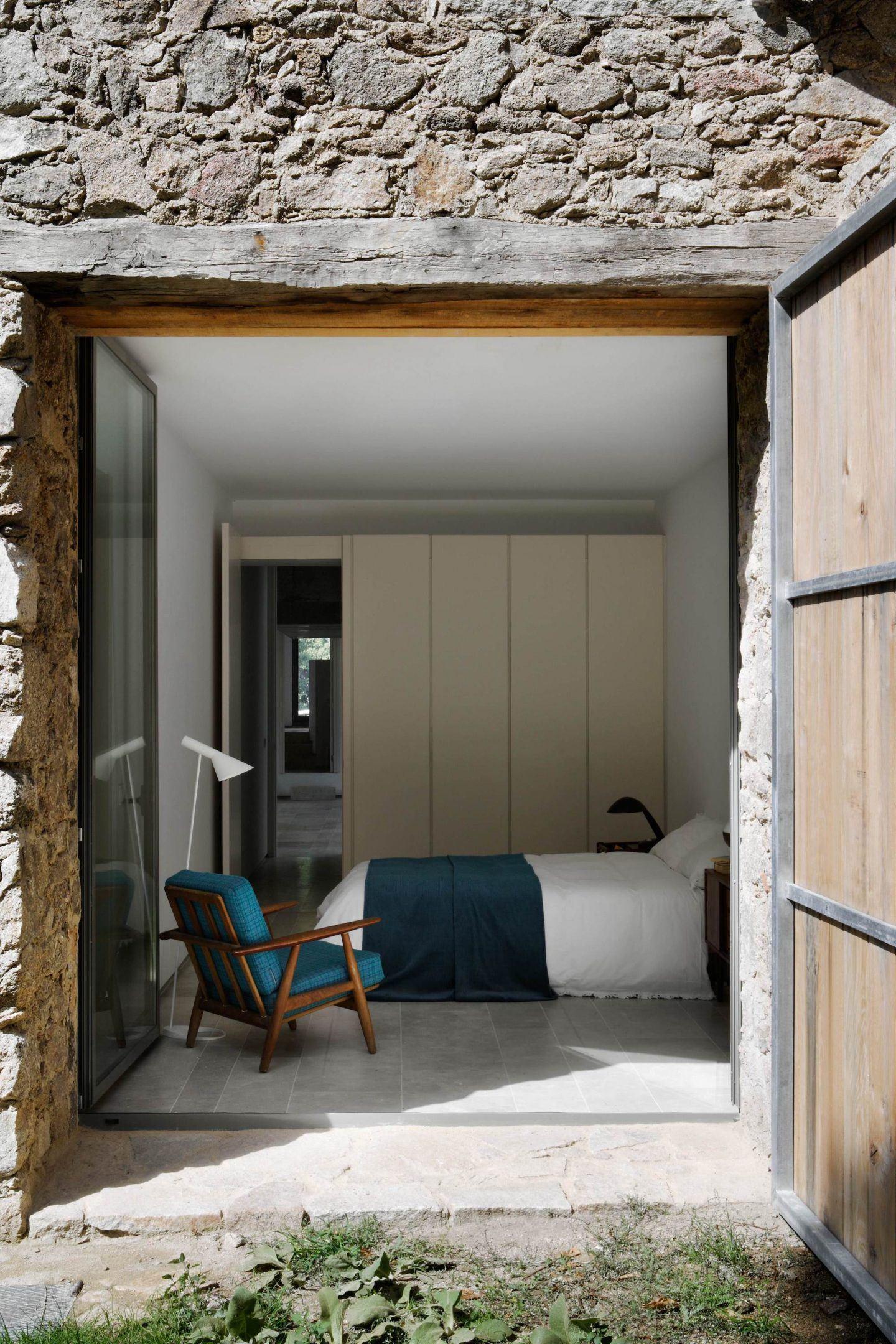 IGNANT-Travel-Abaton-Arquitectura-Finca-Extremadura-005