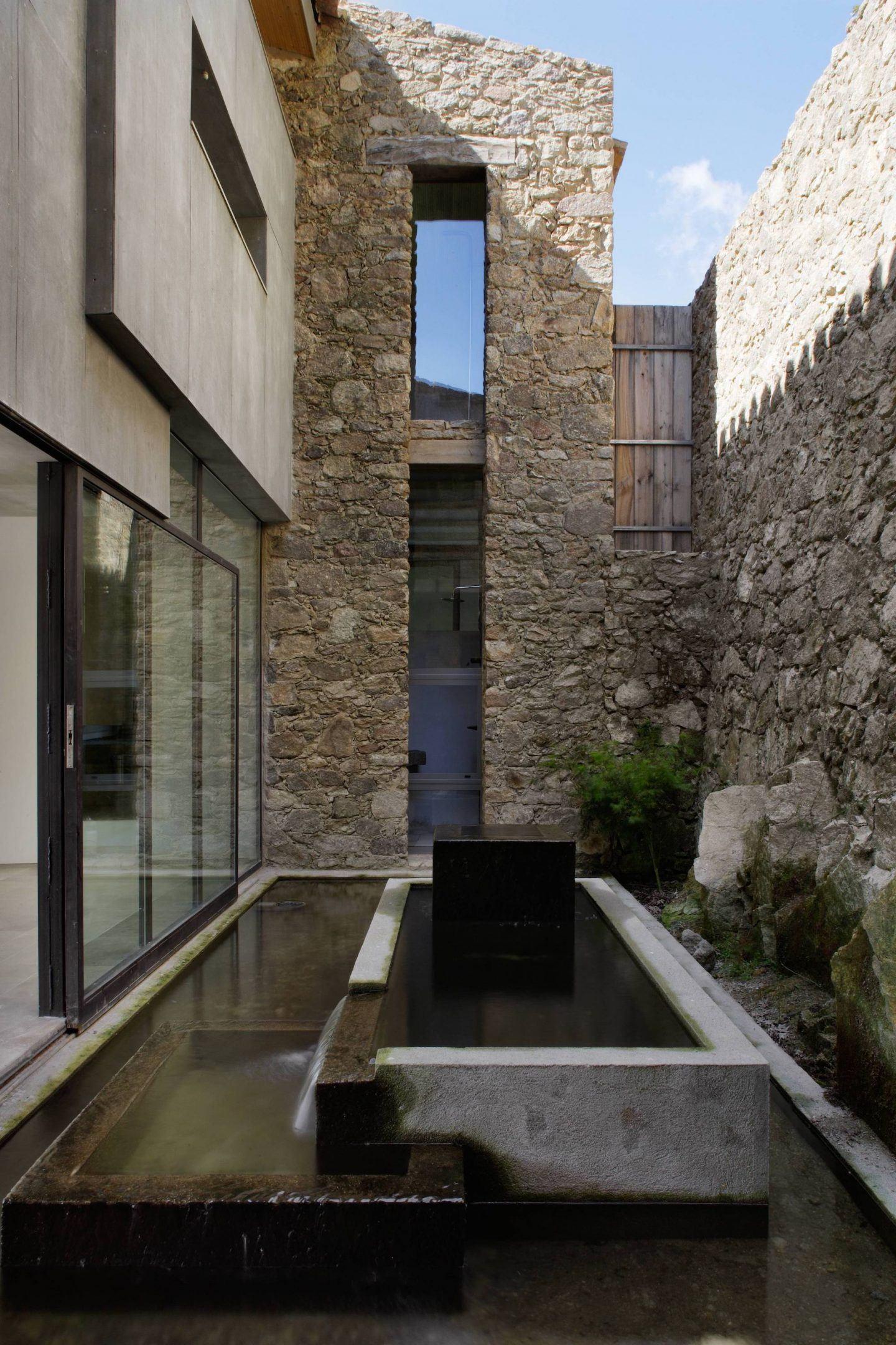 IGNANT-Travel-Abaton-Arquitectura-Finca-Extremadura-012
