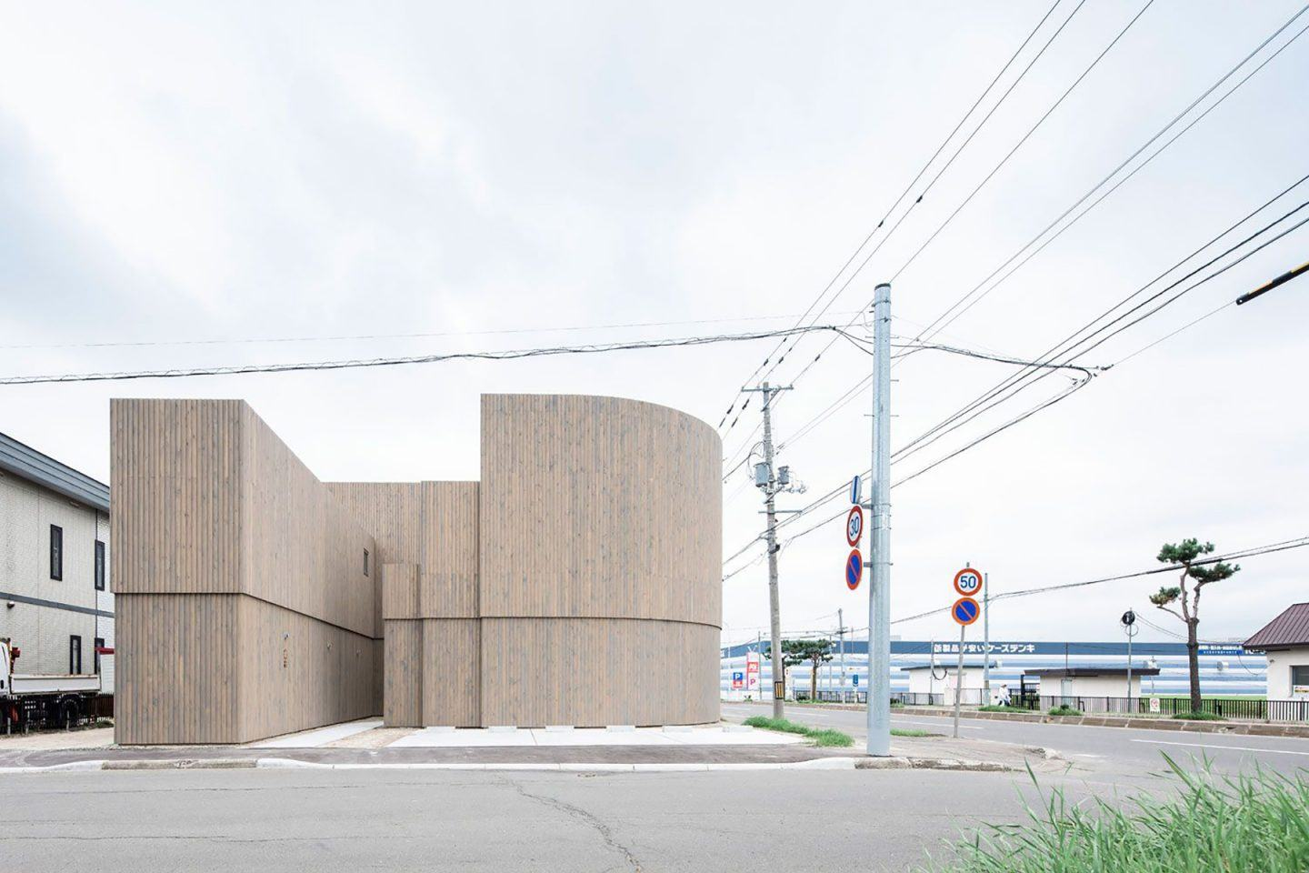 IGNANT-Architecture-Jun-Igarashi-Corridor-Of-The-Fold-1
