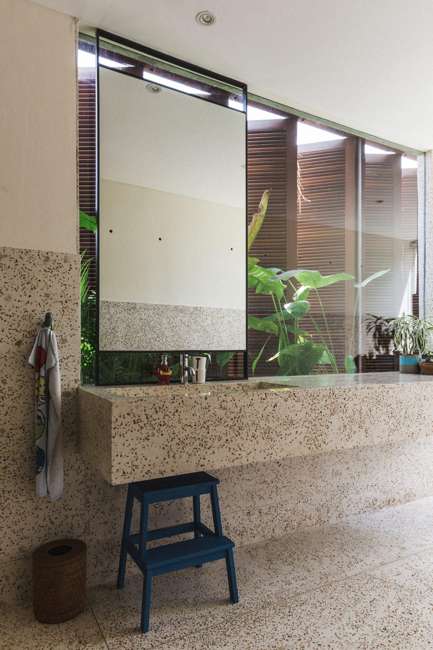 IGNANT-Architecture-Patisandhika-Daniel-Mitchell-Indonesia-Brutalist-Home-2