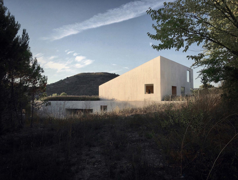 IGNANT-Architecture-Pereda-Pérez-Arquitectos-House-In-Pamplona-001