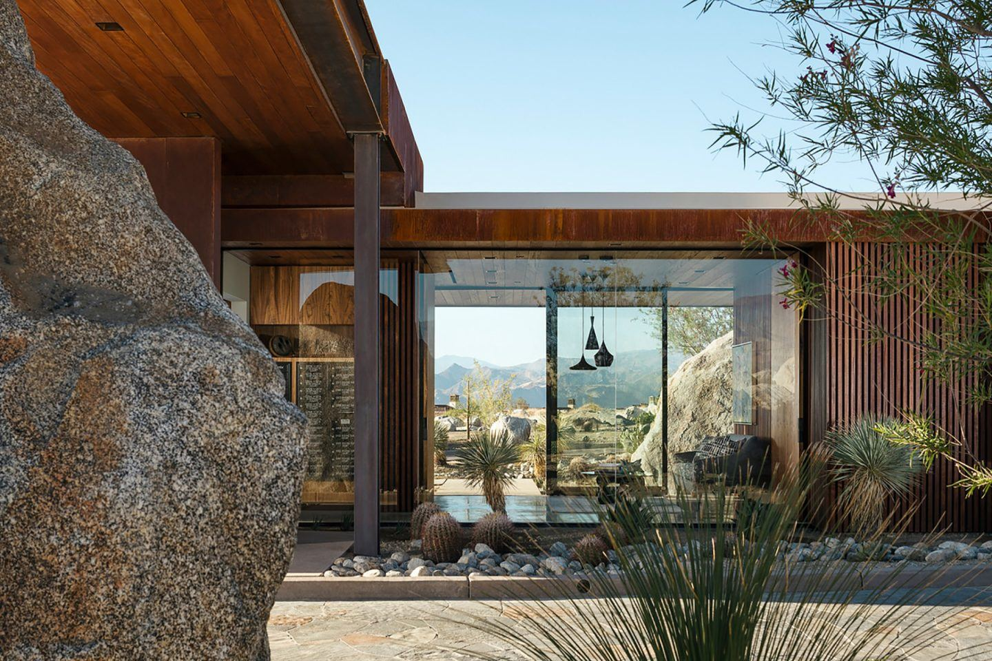 IGNANT-Architecture-Sean-Lockyer-Desert-Palisades-11