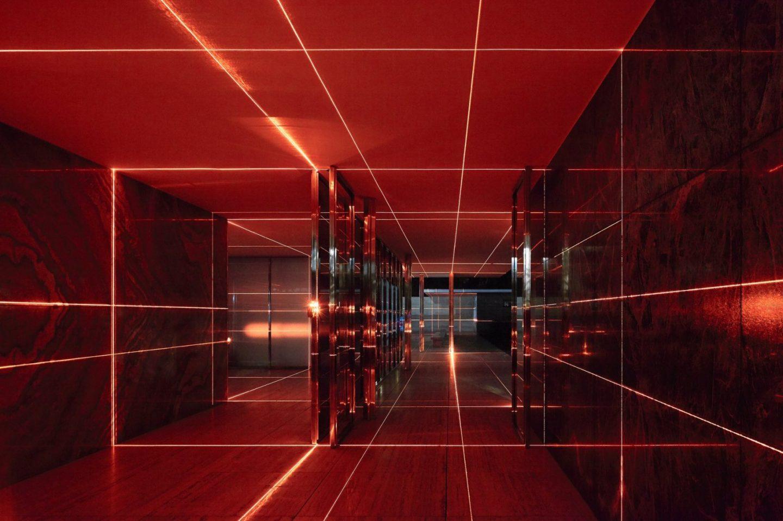 IGNANT-Art-Luftwerk-Iker-Gil-Geometry-Light-Barcelona-Pavilion-1