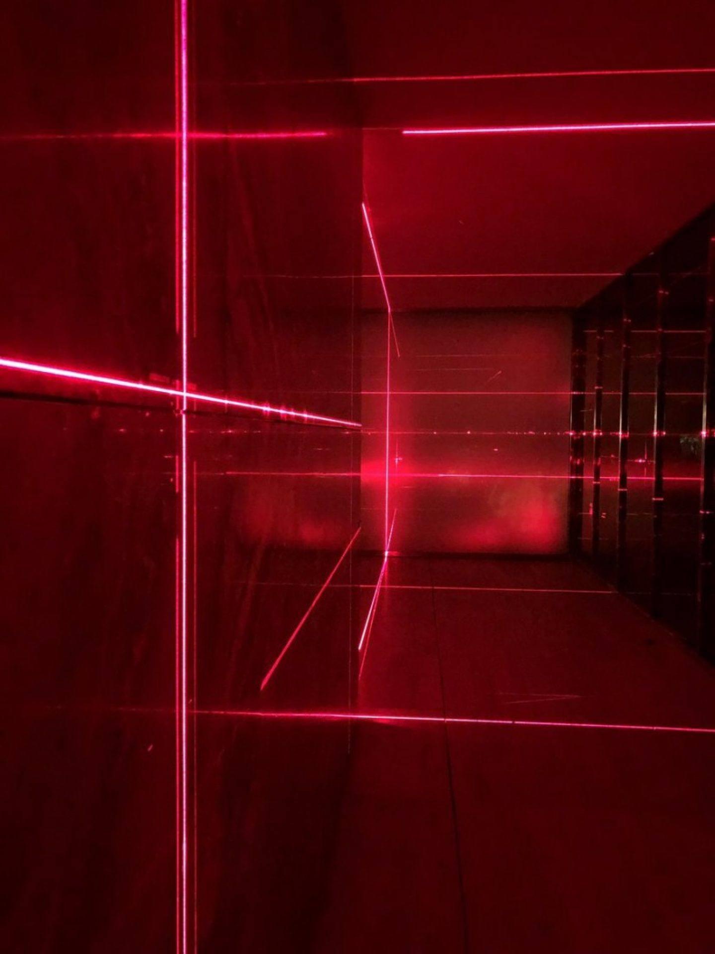 IGNANT-Art-Luftwerk-Iker-Gil-Geometry-Light-Barcelona-Pavilion-3