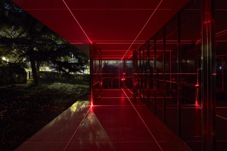IGNANT-Art-Luftwerk-Iker-Gil-Geometry-Light-Barcelona-Pavilion-8