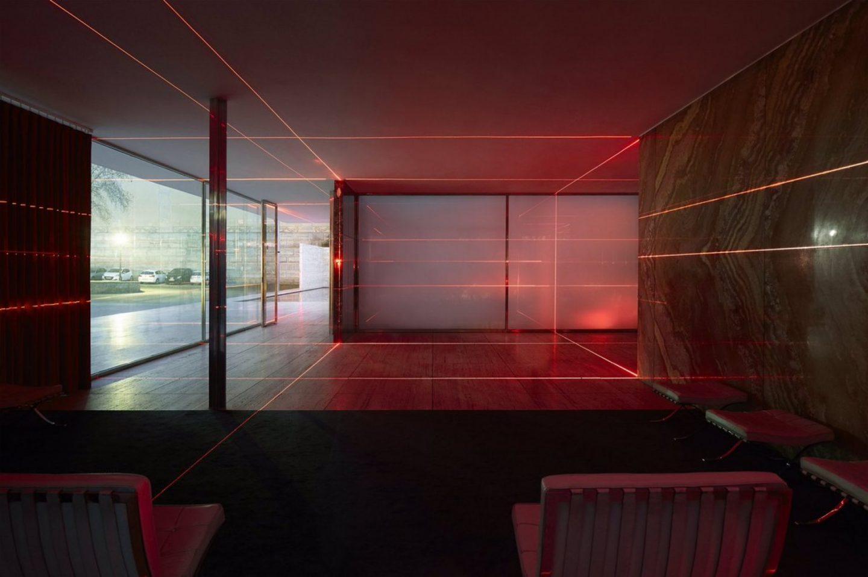 IGNANT-Art-Luftwerk-Iker-Gil-Geometry-Light-Barcelona-Pavilion-9