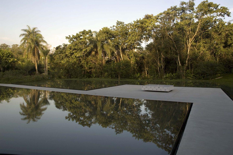 IGNANT-Architecture-Tacoa-Arquitetos-Adriana-Varejao-Gallery-11