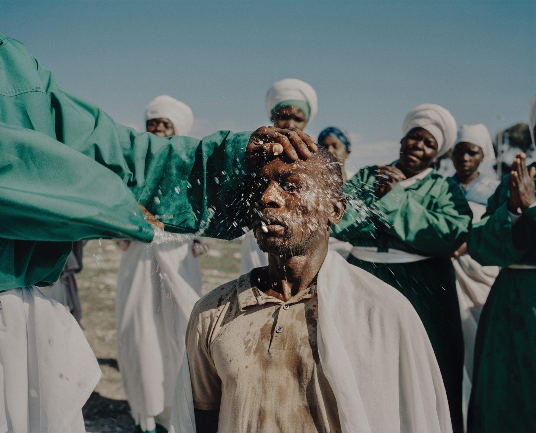 IGNANT-Photography-Mustafah-Abdulaziz-Water-014