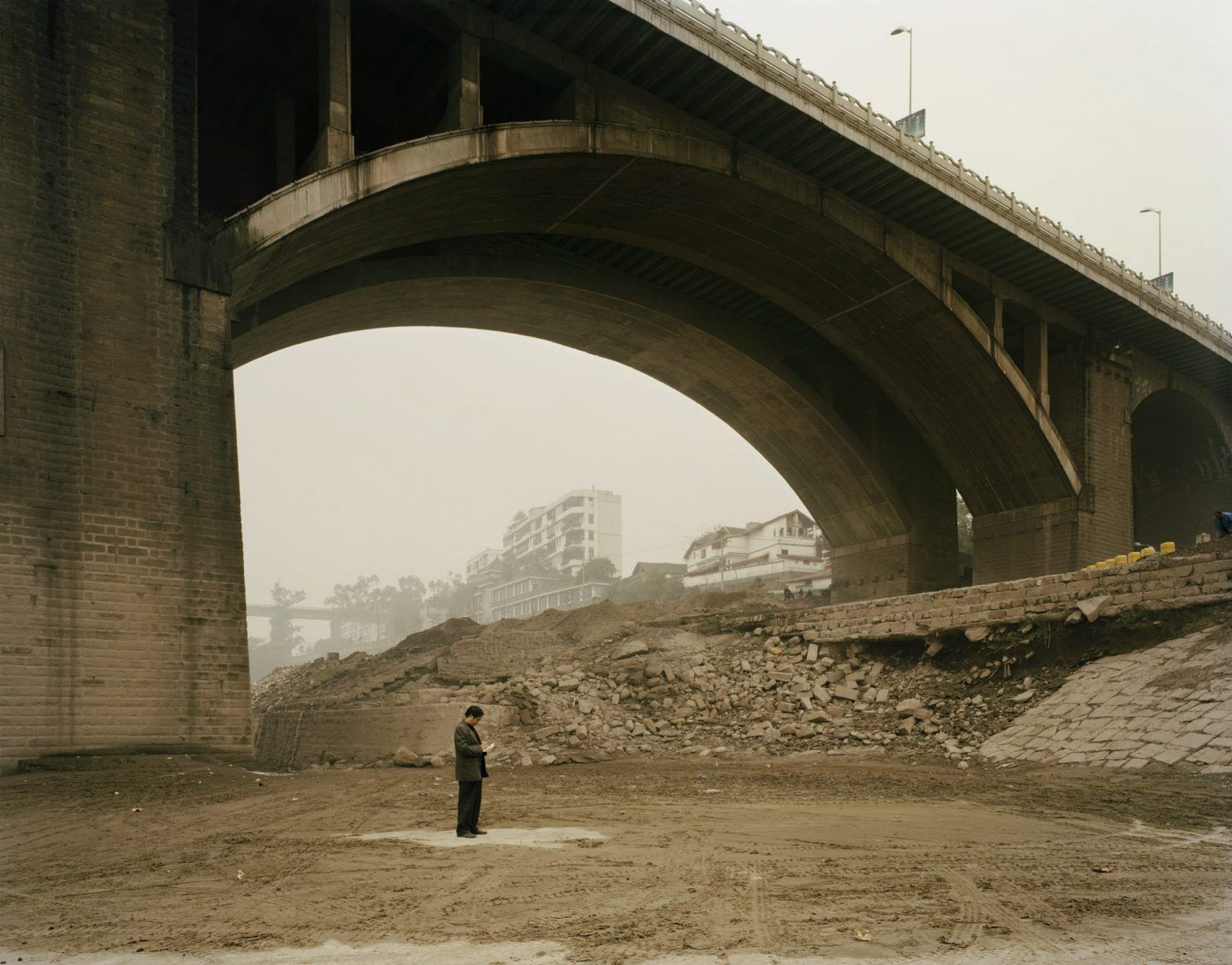 IGNANT-Photography-Nadav-Kander-Yangtze-The-Long-River-004