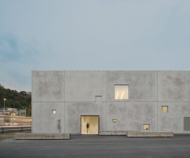 IGNANT-Architecture-Club-Traube-001