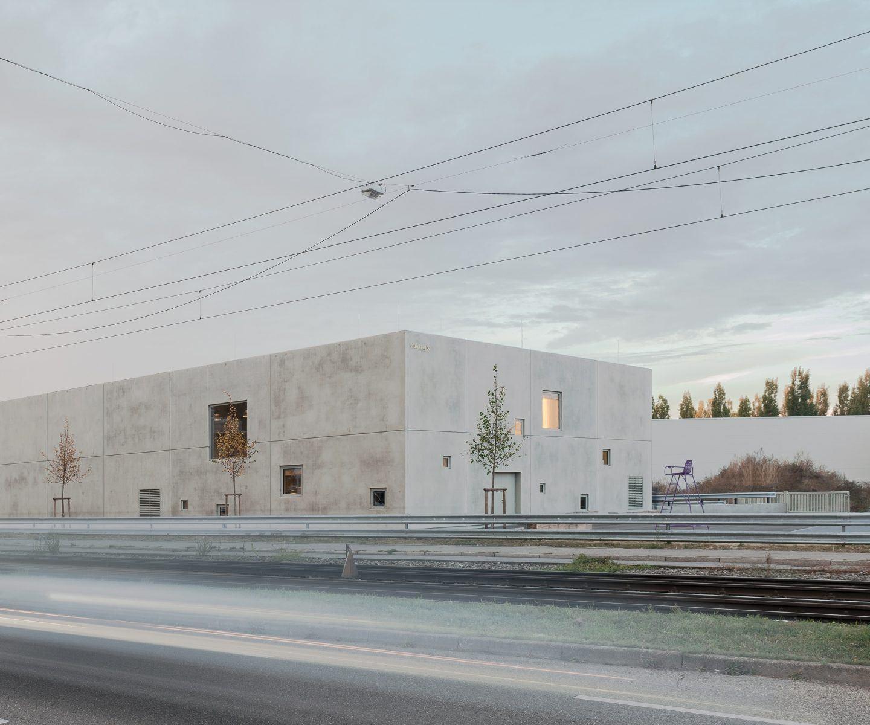 IGNANT-Architecture-Club-Traube-002