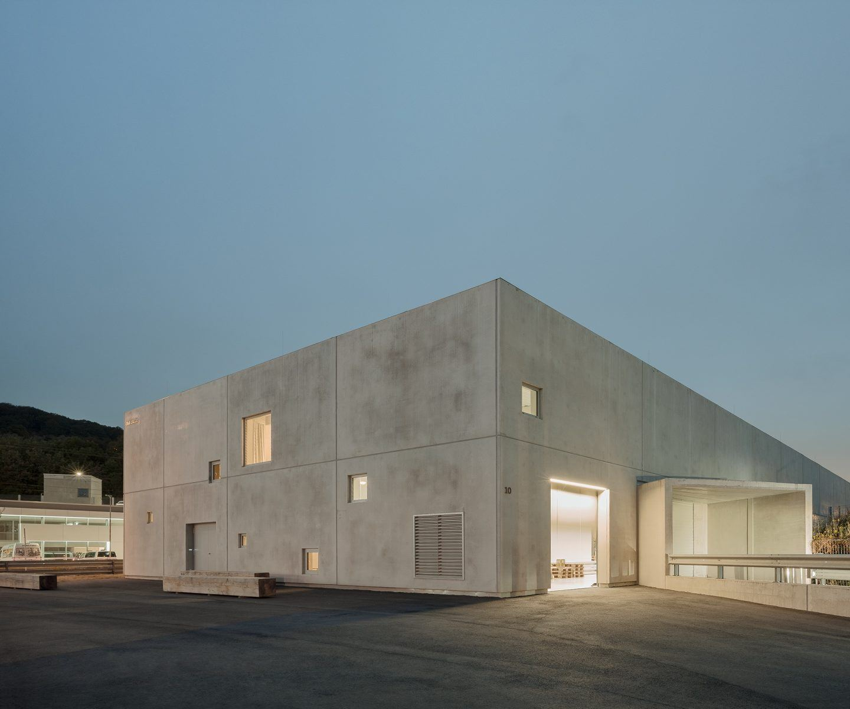 IGNANT-Architecture-Club-Traube-010
