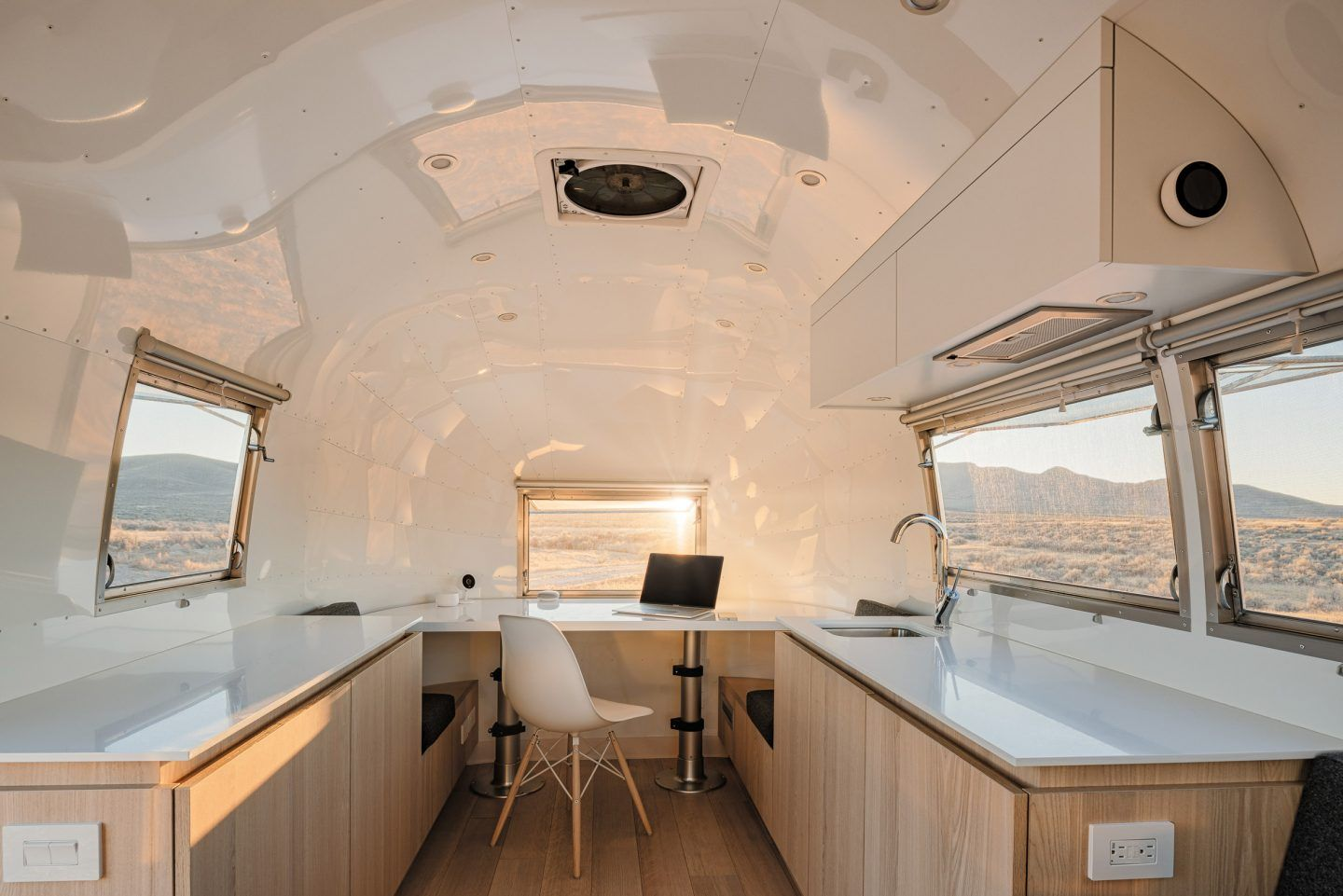 IGNANT-Architecture-Edmonds-Lee-Architects-Airstream-1