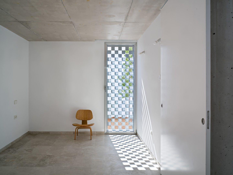 IGNANT-Architecture-Estudio-Jesus-Donaire-Casa-Entre-Tapiales-13