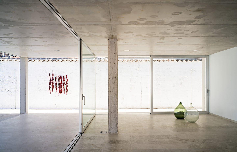 IGNANT-Architecture-Estudio-Jesus-Donaire-Casa-Entre-Tapiales-14