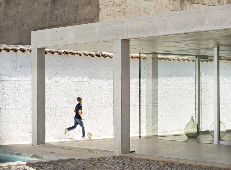 IGNANT-Architecture-Estudio-Jesus-Donaire-Casa-Entre-Tapiales-15
