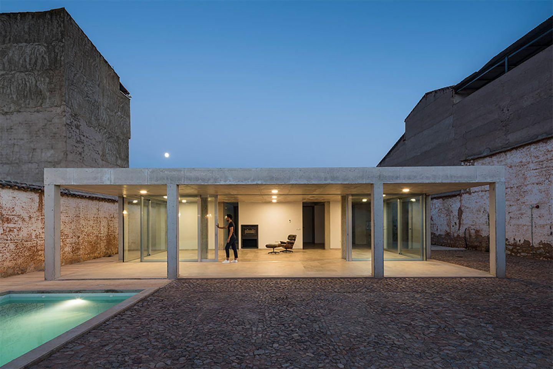 IGNANT-Architecture-Estudio-Jesus-Donaire-Casa-Entre-Tapiales-23