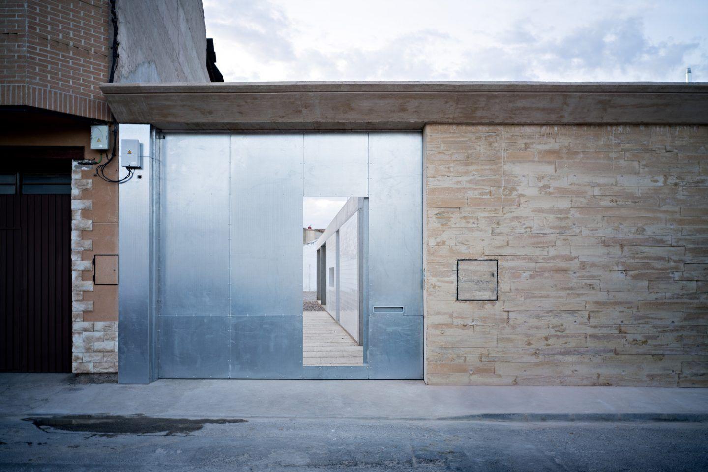 ignant-architecture-estudio-jesus-donaire-casa-entre-tapiales-4
