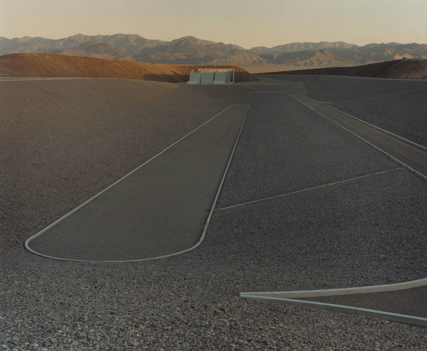 IGNANT-Art-Michael-Heizer-City-11